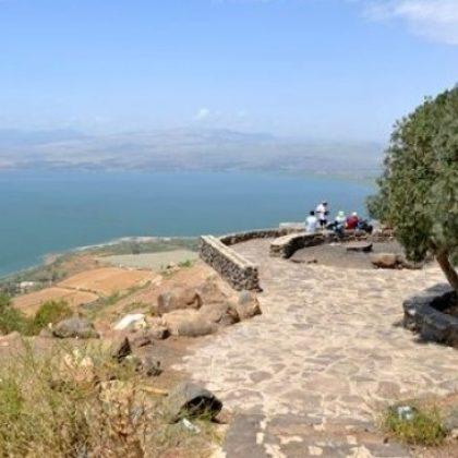 טיול מאורגן לגמלאים בדרום רמת הגולן, גבעת יואב, אבני איתן ובני יהודה.